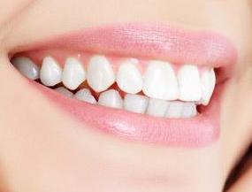美容冠矫正牙齿的过程