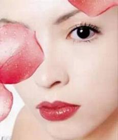 北京安贞医院激光科这样祛眼袋 让你年轻10岁