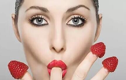 扔掉口红做纹唇整形 瞬间提高颜值倍增