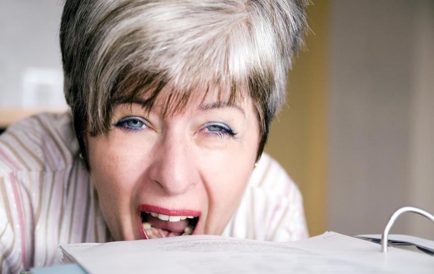 种植牙与正常牙齿有什么不同 从此说话不带风