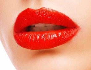 烈焰红唇性感象征 纹唇手术更具诱惑力