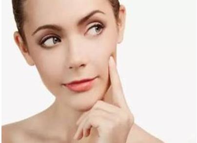 彩光治疗斑点 洁净肌肤自信心倍增