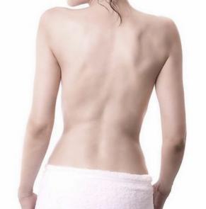 韩式吸脂瘦背 给你塑造妩媚背影