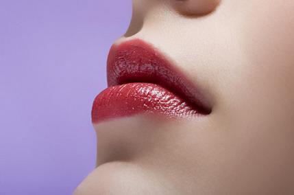 玻尿酸丰唇 嘴唇饱满更迷人