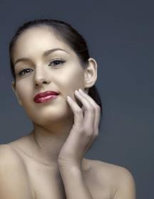 开封艺美光子嫩肤 让你的肌肤重复18岁