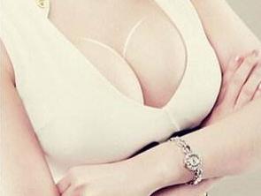 大连红禾谷美容整形医院<font color=red>自体脂肪隆胸</font>术 塑造你的完美身材