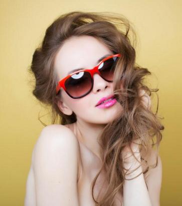 上眼脸下垂矫正手术方式 上眼脸下垂有什么危害吗