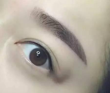眉毛整形拯救你稀疏的眉毛