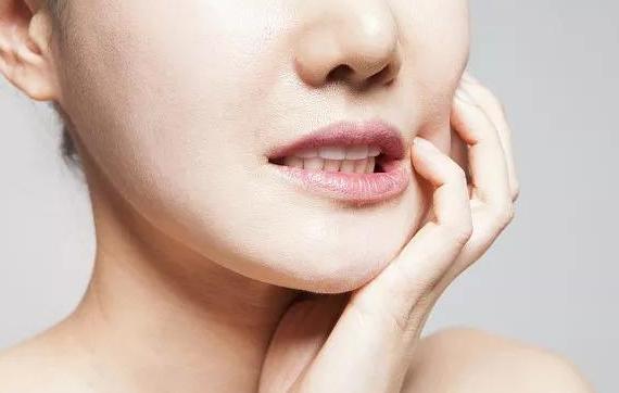 隆下巴的方法有哪些 哪一种适合你呢