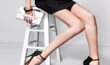 成都现代医院医疗美容整形科大腿吸脂 吸走脂肪成就美丽
