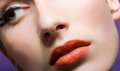 胶原蛋白丰唇 妙变活力少女