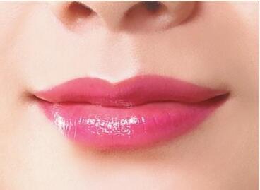半永久漂唇的优点  性感红唇一次拥有