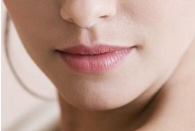 拥有让人羡慕的嘴唇 胶原蛋白丰唇的费用是多少