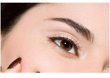 韩式开眼角让你的眼睛更妩媚动人