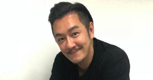 49岁陈浩民打美容针 想改善高低眉问题
