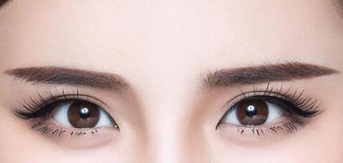 眉毛稀疏不必担心 <font color=red>种植眉毛</font>让你的眉毛更加亮眼