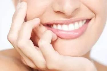 隐形牙齿矫正的手术过程怎么样呢 美丽矫正两不误