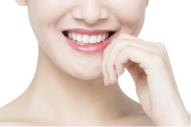 口腔医学整形医院烤瓷牙多少钱 做了烤瓷牙后可以换吗