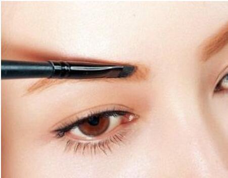 怎么样的眉毛耐看呢 眉毛种植的效果怎么样呢