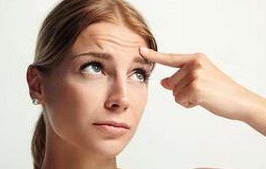 去除抬头纹的物理方式有哪些呢 让青涩面孔不再有皱纹出现