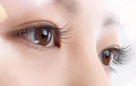 睫毛种植的安全性怎么样呢 效果自然不自然呢