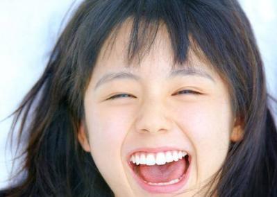 畸形牙齿矫正要拔牙吗 牙齿矫正的特点有哪些