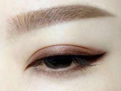 眉毛影响外在容颜 纹眉让你的面容更加精致