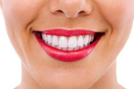 牙齿不齐怎么办 常熟瑞丽医院医疗整形科矫正你的牙齿