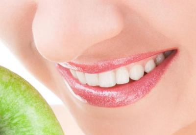 烤瓷牙疼吗 深圳罗湖区口腔医院黄金烤瓷牙的价格度多少
