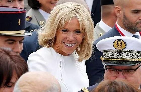 法国第一夫人做医美整形 嫁给总统的女人也不容易