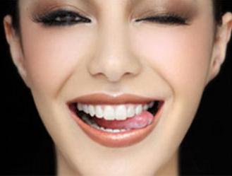 牙齿缺损怎么办 永缘韩美牙齿整形让我笑的更自信