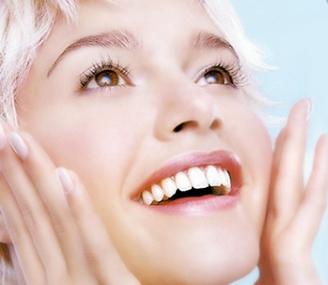 成都驻颜医疗美容整形医院牙齿整效果怎样 烤瓷牙能用多久