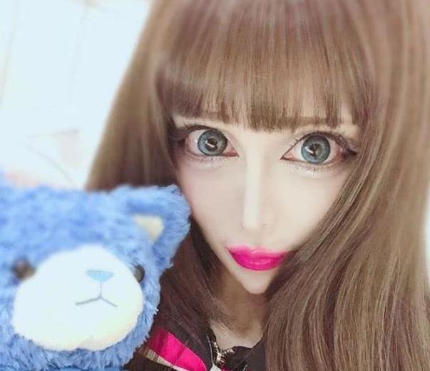 """日本女星Vanilla分享整容心得 网友:她患上了""""整形成瘾症"""""""
