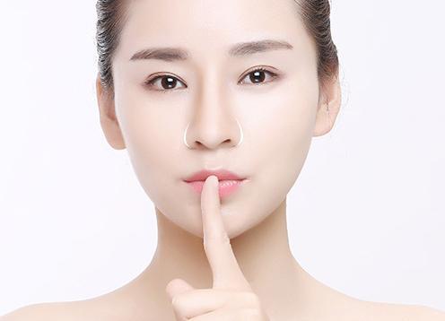 假体隆鼻费用多少钱 益阳康雅医院整形科隆鼻整形效果好吗