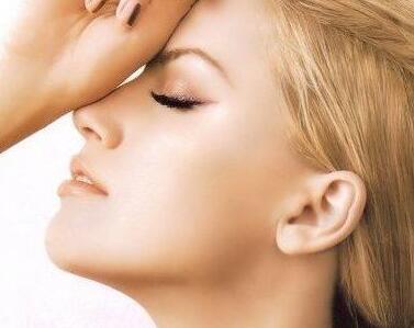 天津鼻整形医院排行榜 假体隆鼻多久能恢复自然