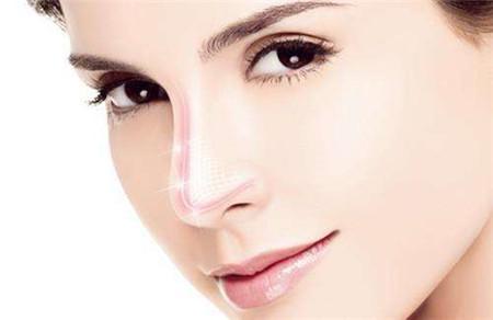 鼻尖整形美容广西桂林哪家医院好 自体软骨隆鼻能维持几年