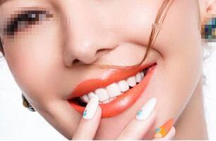 成都锦江极光口腔整形医院牙齿种植的费用是多少