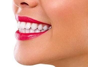上海做牙齿矫正一般多少钱 让牙齿更整齐美观