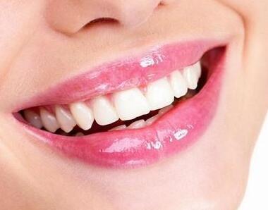 乌鲁木齐美奥口腔整形医院种植牙价位