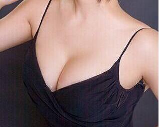 成都丽人医院假体隆胸部 让乳房不再垂头丧气