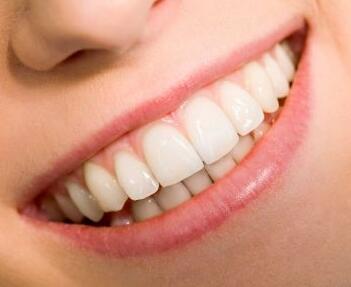 西安交通大学口腔整形医院牙齿正畸费用多少