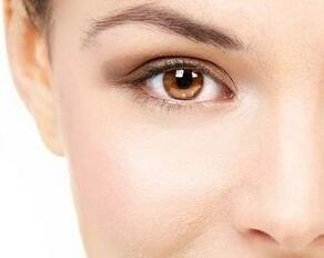 沈阳伊尔美去眼袋一般价位 激光去眼袋还原眼部睛彩