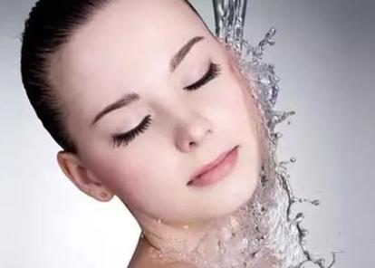 包头中心医院烧伤整形科皮肤激光美容多少钱 快速柔和治疗