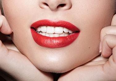 门牙矫正价格 潍坊医学院整形科牙齿矫正多少钱