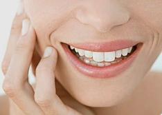 沈阳美立方医院牙齿矫正的最佳时间  注意什么呢