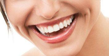 做牙齿矫正手术有年龄限制吗 株洲周建屏整形<font color=red>牙齿矫正过程</font>