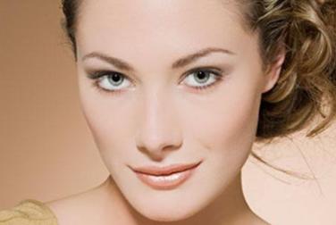 纹唇的时候疼不疼 济南隅美整形医院纹唇可以保持多久