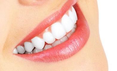 门牙有点龅牙怎么办 佳木斯铭源皇宫整形医院牙齿矫正价格