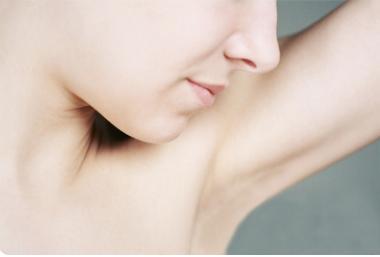 腋下如何脱毛 上饶荣美医院整形科激光脱腋毛安全吗
