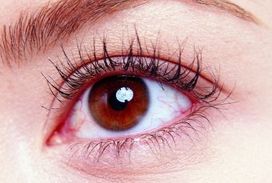 眼睑下垂的原因 运城海鸥医疗整形美容医院可以矫正吗